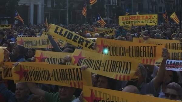 Concentración de la ANC en Barcelona contra la prolongación del 155.