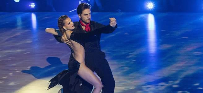 David Bustamante y Yana Olina, en su actuación en 'Baillando con las estrellas'.