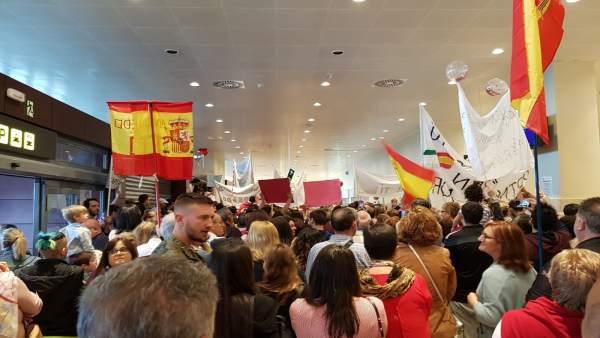 Militares en misión en Libano llegan al Aeropuerto de Badajoz
