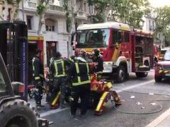 Este robot ayuda a los bomberos a buscar a los dos obreros enterrados en un edificio de Madrid