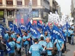 Miles de policías municipales reclaman en Madrid la jubilación anticipada