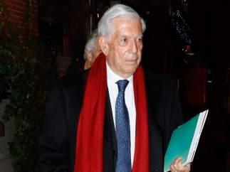 Vargas Llosa, ingresado en un hospital de Madrid tras una caída