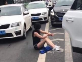 Una mujer secuestrada en un maletero en China logra huir gracias a un choque