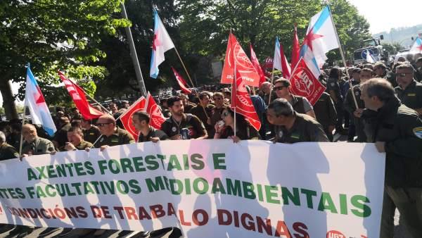 Agentes forestales y medioambientales se manifiestan en Santiago