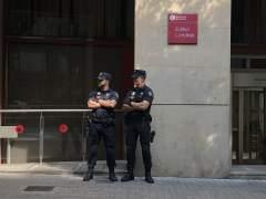 Libertad con cargos para los cinco detenidos en la operación Estela tras negarse a declarar