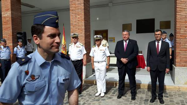 Imagen de la entrega de distinciones en la Delegación de Defensa