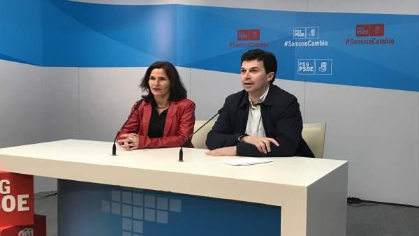 La diputada del PSOE Luz Martínez Seijo y Gonzalo Caballero