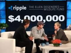 Ashton Kutcher dona 4 millones a la fundación de Ellen DeGeneres