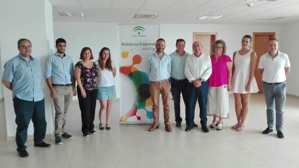 Tortosa junto a emprendedores que se han incorporado al CADE del puerto