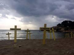 Mossos y Policía evitarán que se planten cruces este domingo en la playa de Mataró