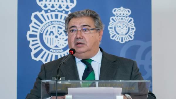 Zoido assiteix dilluns a València a l'aniversari de la unitat de Policia Nacional de la Comunitat i visita Benidorm