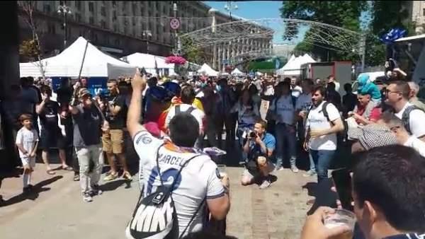 """Así cantan los madridistas en Kiev: """"¡Cómo no te voy a querer!"""""""