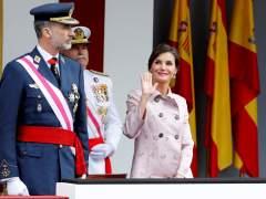 Los reyes presiden el desfile por el Día de las Fuerzas Armadas
