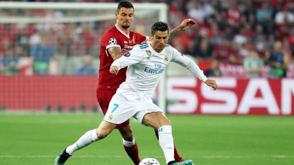 Cristiano Ronaldo y Dejan Lovren