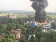 Un aparatoso incendio obliga a evacuar el Europa Park, el parque de atracciones más grande de Alemania
