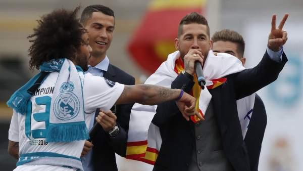 Sergio Ramos con el micrófono