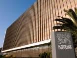 Fachada del edificio de la central de Nestlé España en Esplugues de Llobregat.