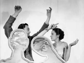 Cecil Beaton. Salvador y Gala Dali, 1936.