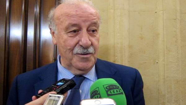 Vicente del Bosque atiende a los medios en Salamanca