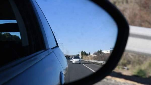 La DGT rebajará a 18 años la edad mínima para conducir camiones y apuesta por implantar el vehículo autónomo
