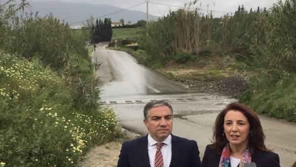 Elías Bendodo con Antonia Ledesma de Por Alhaurín PP