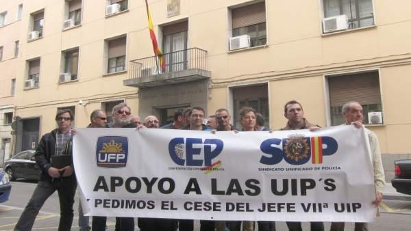 Concentración sindical frente a la Jefatura de Policía de CyL