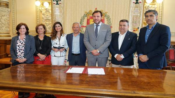 Firma del convenio de depuración de Valladolid y su entorno
