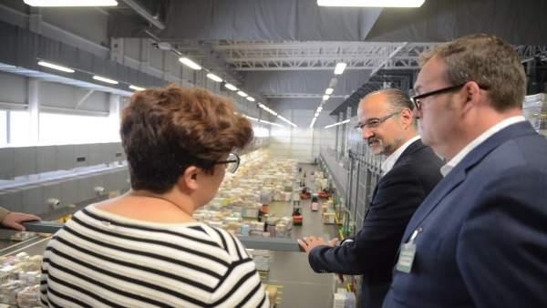 Fuentes en su visita al centro logístico de Mercadona 31-5-2018