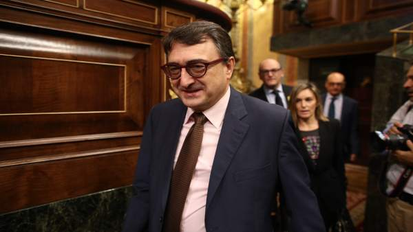 Aitor Esteban durante la moción de censura contra Rajoy