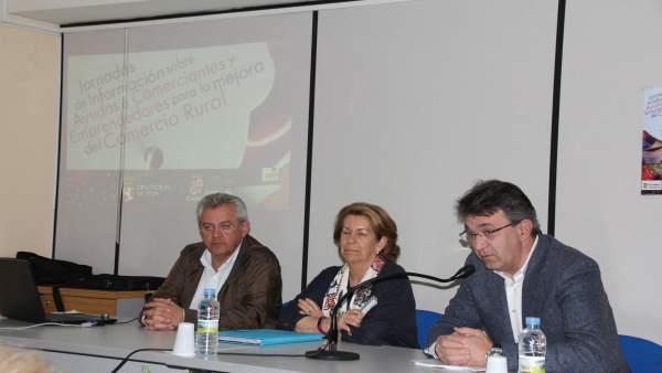Martínez Majo (D) durante las charlas 31-5-2018
