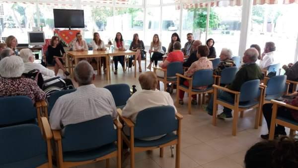Reunión en la residencia La Vega de Antequera
