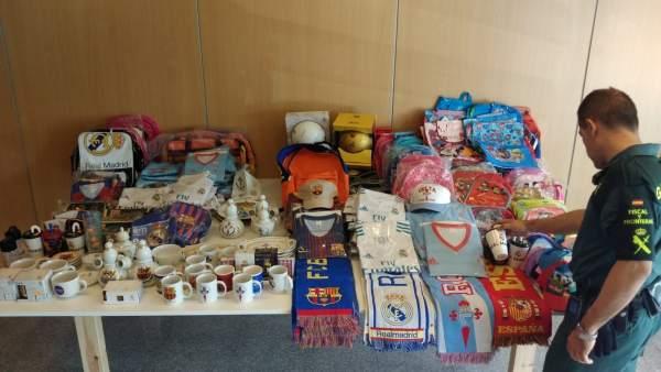 Guardia Civil se incauta de ropa falsificada en bazares de Vigo