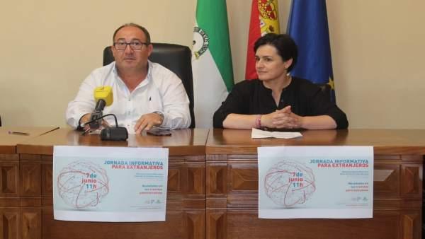 Presentación de unas jornadas para extranjeros en Vélez