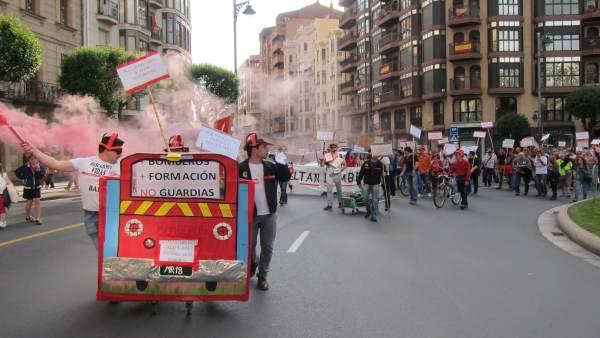 Manifestación bomberos del Ayuntamiento de Logroño
