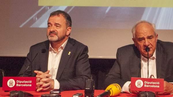Alfred Bosch (izquierda) vicepresidente de Relaciones Internacionales y Cooperación del AMB con el expresidente de Colombia Ernesto Samper.
