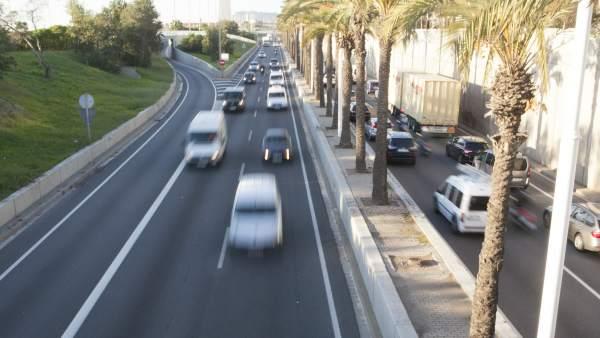 Las ciudades han de buscar la movilidad sostenible y disminuir su dependencia del automóvil y del consumo de combustibles fósiles.