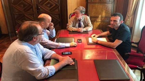 Santisteve reunido con Muñoz (ZEC), Asensio (CHA) y Pérez Anadón (PSOE)