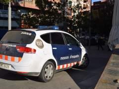 Un hombre mata a su mujer en Badalona y se entrega a la Guardia Urbana