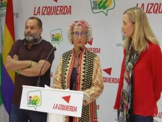 La responsable de Medio Ambiente de IU en Huelva, Pepa Beiras, e Isabel Brito.