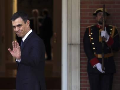 Pedro Sánchez, presidente del Gobierno, este lunes en la Moncloa.
