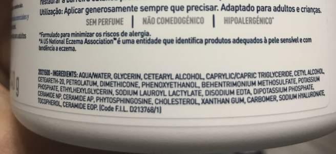 Etiquetado de un frasco de crema