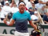 Cecchinato vence a Djokovic