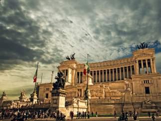 Vista de uno de los numerosos monumentos de Roma