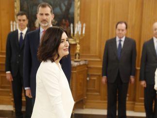 Montón promete su cargo como ministra de Sanidad