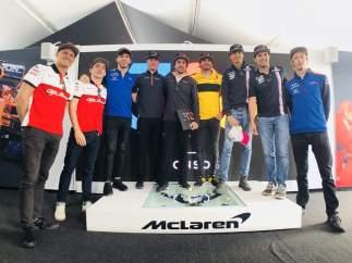 Fernando Alonso y otros pilotos