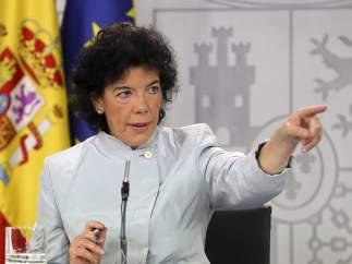La portavoz del Gobierno y ministra de Educación, Isabel Celaá, este viernes, tras el Consejo de Ministros.