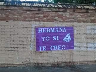 Uno de los carteles de PCE en apoyo a la víctima de 'La Manada'