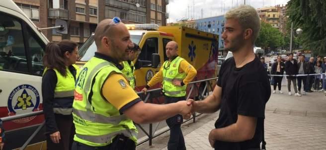El equipo de Samur-Protección Civil de Madrid agradece al joven su labor.