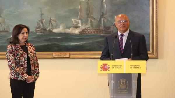 Margarita Robles y Ángel Olivares