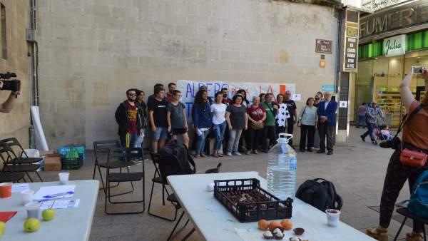 Representantes de las entidades que apoyan la campaña 'Fruta con justicia social